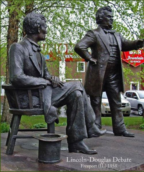 Illustration 1: The Lincoln and Douglas Debate (sculptures)